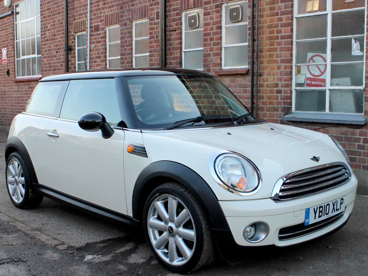 2010 Mini Cooper 1.6 Hatchback Manual Petrol White Black Roof Half Leather 59,000 miles FSH YB10XLP